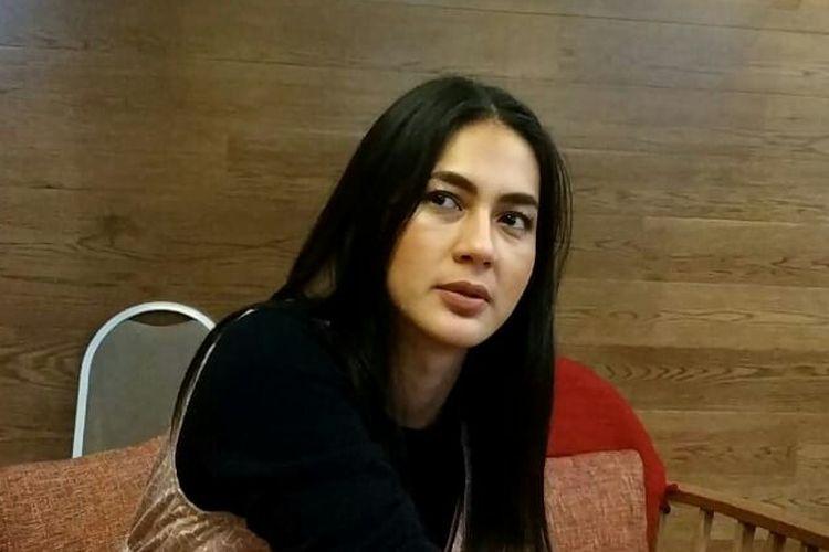 Model dan artis peran Paula Verhoeven saat ditemui di Plaza Indonesia, kawasan MH Thamrin, Jakarta Pusat, Minggu (12/5/2019).