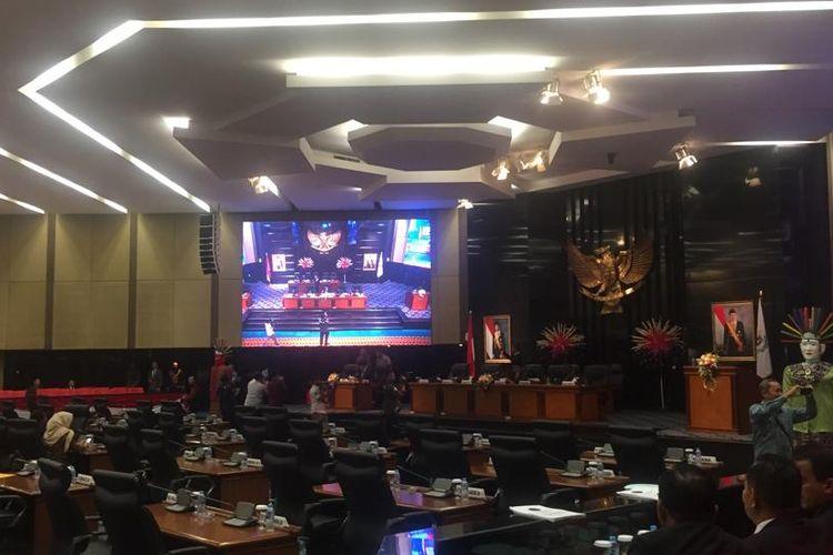 Rapat paripurna di DPRD DKI Jakarta, Rabu (26/6/2019).