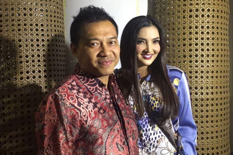 Ashanty Siddik dan Anang Hermansyah diabadikan di GIK Grand Indonesia, Thamrin, Jakarta Pusat, Selasa (18/7/2017).