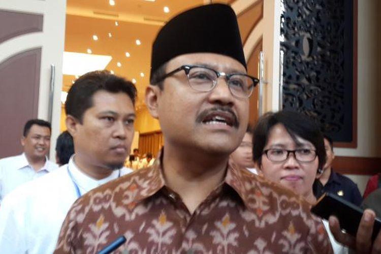 Wakil Gubernur Jawa Timur Syaifullah Yusuf saat berkunjung ke Kota Malang, Kamis (11/8/2016)