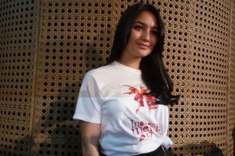 Citra Kirana saat diwawancara usai jumpa pers Indonesia Menari 2017 di Galeri Indonesia Kaya, Grand Indonesia, Jakarta Pusat, Senin (6/11/2017).