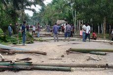 Protes Jalan Rusak, Ratusan Warga Blokade Jalan di Aceh Utara