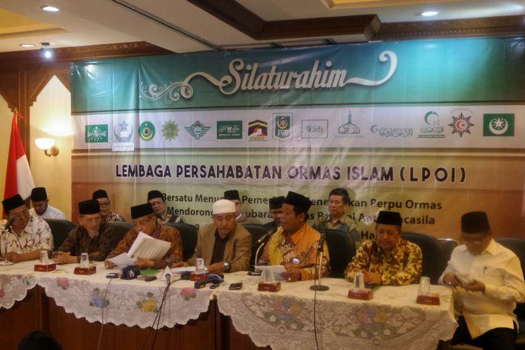 Perwakilan dari 14 organisasi kemasyarakatan (ormas) Islam yang tergabung dalam Lembaga Persahabatan Ormas Islam (LPOI) mendesak pemerintah segera merealisasikan rencana pembubaran Hizbut Tahrir Indonesia (HTI) dan ormas radikal anti-Pancasila lainnya.