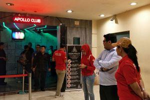 Mengikuti Polisi Lakukan Razia Narkoba di Kelab Malam Jakarta...
