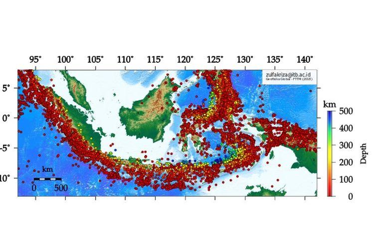 Sebaran kejadian gempa bumi di Indonesia dengan megnitudo lebih besar dari 5 sejak 1976 - 2016 berdasarkan data katalog USGS. Degradasi warna lingkaran merah - biru menunjukkan kedalaman posisi sumber gempa bumi (hiposenter).