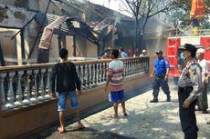 Mesin Pertamini Meledak, Rumah Terbakar, Anak Pemiliknya Terluka