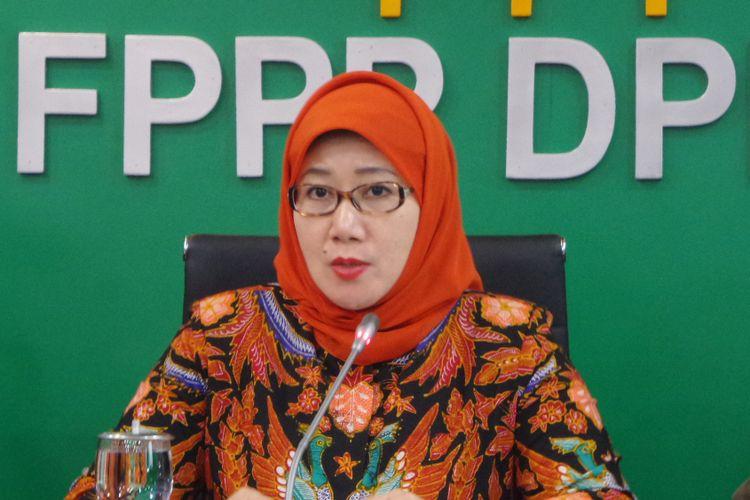 Ketua Fraksi PPP di DPR, Reni Marlinawati di Kompleks Parlemen, Senayan, Jakarta, Senin (27/3/2017).