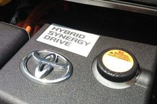 Toyota Kasih Sinyal Mobil Hybrid Penumpang di GIIAS 2019