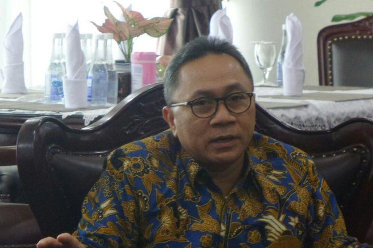 Ketua MPR RI Zulkifli Hasan di Kompleks Parlemen, Senayan, Jajarta, Kamis (10/8/2017).