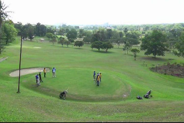 Peserta turnamen golf Babel Cup XVI di Bukit Bintang Pangkal Pinang, Kepulauan Bangka Belitung.