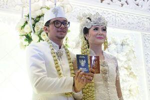 Suami Setuju Poppy Sovia Jual Maskawin untuk Beli Motor Trail