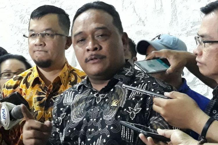 Ketua DPP Partai Hanura Benny Ramdhani di kediaman Ketua Umum Partai Hanura Oesman Sapta Odang, Jakarta, Selasa (24/7/2018).