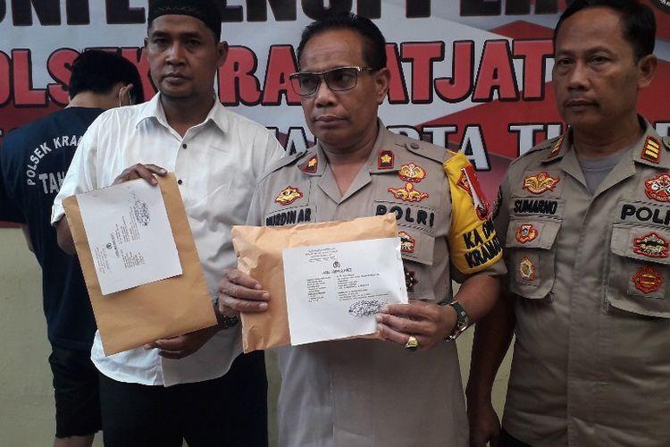 Kapolsek Kramat Jati, Jakarta Timur, Kompol Nurdin saat konferensi pers pengungkapan kasus pembobolan ATM di Condet, Selasa (14/5/2019).