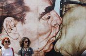 Akhirnya... Bertemu Brezhnev dan Honecker di Tembok Berlin