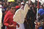 Rhoma Irama Ikut Lomba Makan Kerupuk Jumbo di Ancol