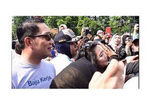 Kaus Nyeleneh, 'Baju Kerja' Gubernur Jabar Dipuji Presiden Jokowi