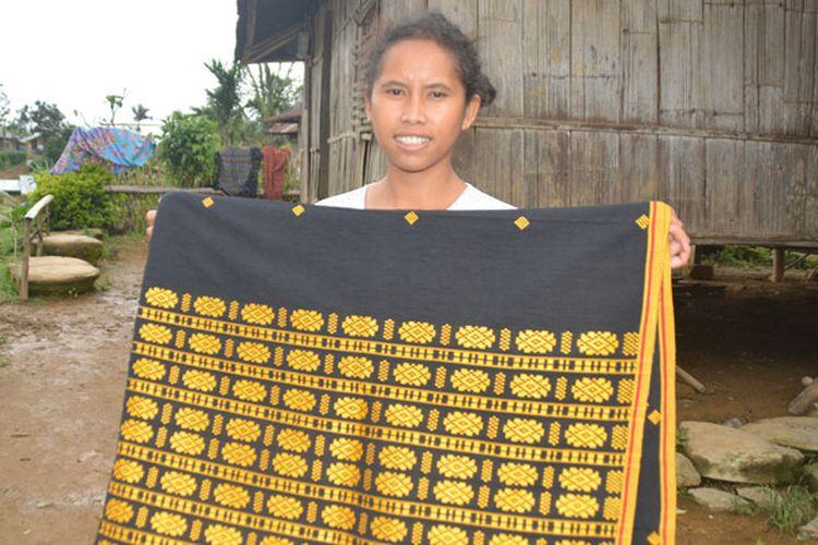 Tenun Flores, Nusa Tenggara Timur motif Nagekeo dan Ngada.