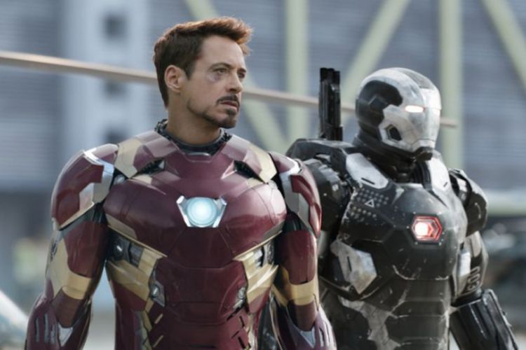 Robert Downey Jr dan Don Cheadle beraksi dalam Captain America: Civil War (2016)