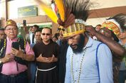 Tiba di Papua, Frantinus Nirigi Disambut bak Pahlawan