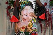 Ada Marilyn Monroe di Panggung Kecil 2madison Avenue...