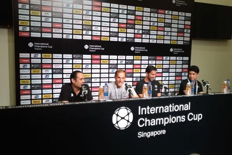 Thomas Tuchel dan Gianluigi Buffon hadir pada acara jumpa pers seusai laga PSG vs Arsenal di Singapura, 28 Juli 2018.