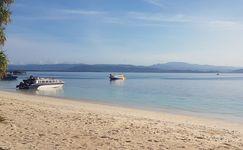 Pantai Dodola, Pesona Laut Terbelah dari Maluku Utara