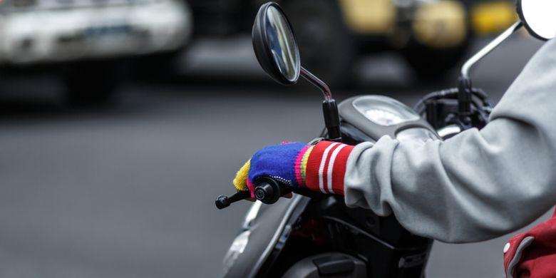 Ilustrasi pengendara motor