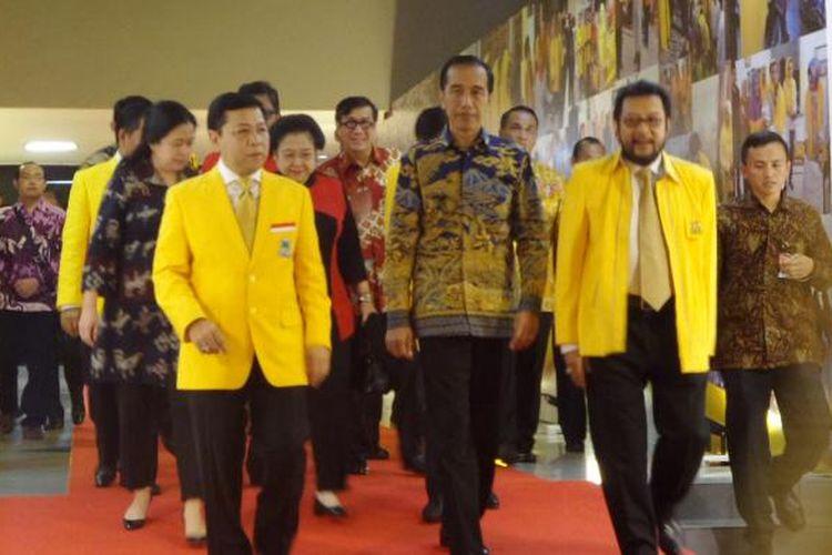 Presiden Joko Widodo hadir dalam acara penutupam Rapat Pimpinan Nasional Partak Golkar di Istora Senayan, Jakarta, Kamis (28/7/2016)