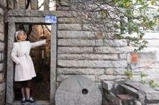 Usia Senja Tak Menghalangi Nenek di China Jadi Pelancong
