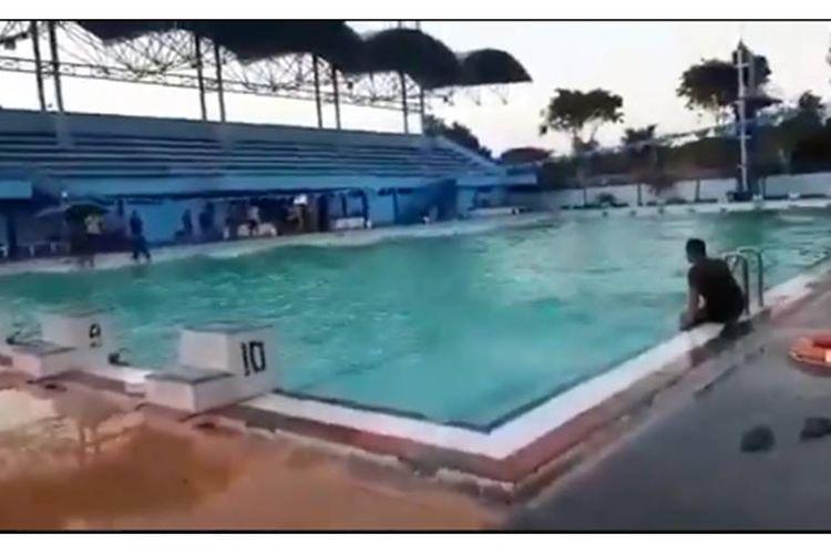 Klarifikasi Video Air Kolam Renang Bergerak Sendiri Ini