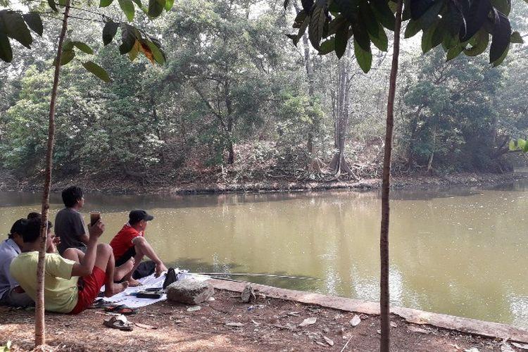 Danau di Hutan Kota Srengseng, Jalan H. Kelik, Srengseng, Kembangan, Jakarta Barat pada Kamis (11/10/2018).