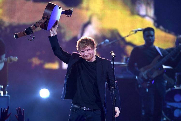 Ed Sheeran tampil di panggung iHeartRadio Music Awards 2017 di The Forum, Inglewood, California, AS, pada 5 Maret 2017.