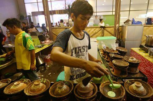 Surabi Dimasak dengan Kompor Gas, Arang, atau Kayu Bakar... Mana yang Paling Enak?