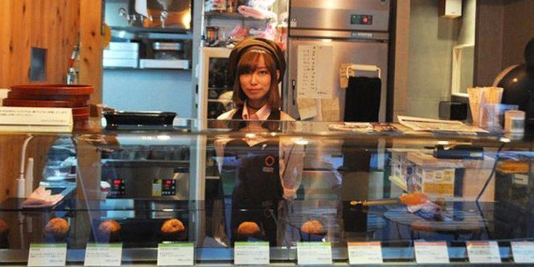Toko arancini NAGOYA, Jepang. Toko ini menjual kroket dengan isian nasi yang merupakan hidangan lokal Italia.