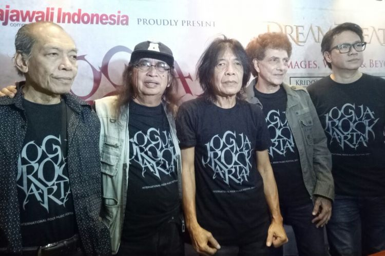 God Bless hadir dalam umpa pers JogjaROCKKarta di Hard Rock Cafe Jakarta, Jakarta Selatan, Rabu (30/8/2017).