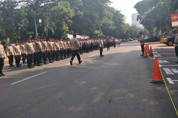 3.284 Personel Disiagakan Amankan Aksi Massa Kawal Amien Rais di Polda Metro Jaya