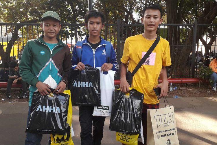 Cerita Para Remaja Belanja Hampir Rp  Juta Di Jakcloth Nabung  Bulan Hingga Pakai Uang Thr