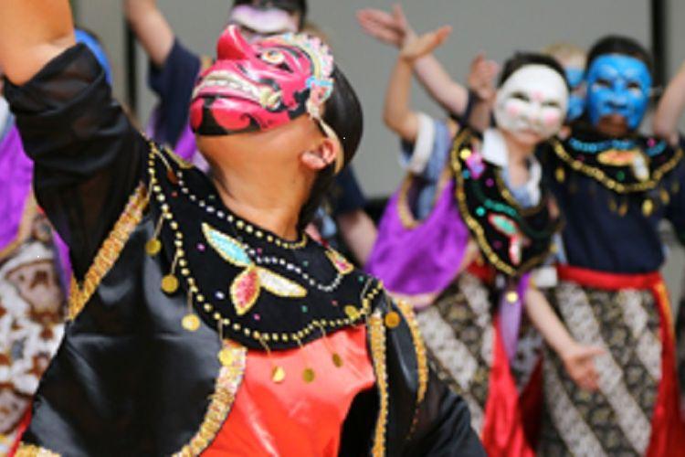 Keberagaman budaya diajarkan pada siswa Point Cook College Melbourne, Australia