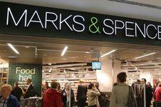 Selain Toko, Pusat Distribusi 'Marks & Spencer' Juga Bertumbangan