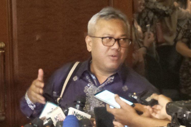 Ketua Komisi Pemilihan Umum (KPU) Arief Budiman saat ditemui di sela Rapat Pleno Terbuka Rekapitulasi DPTHP-2 di Hotel Menara Peninsula, Jakarta Barat, Sabtu (15/12/2018).