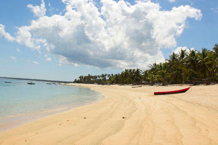 Pantai Nemberala di Pulau Rote, Nusa Tenggara Timur.