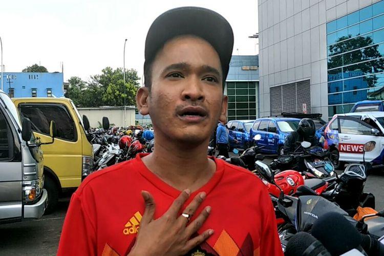 Ruben Onsu saat diwawancarai di kawasan Tendean, Jakarta Selatan, Jumat (13/4/2018).