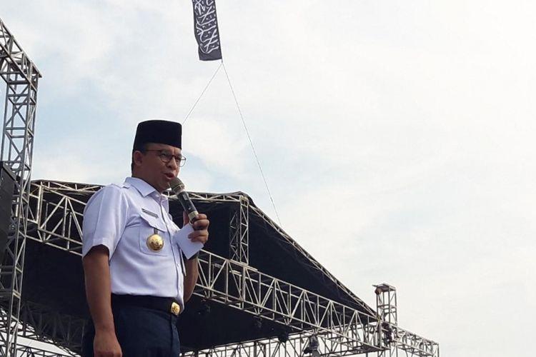 Gubernur DKI Jakarta Anies Baswedan menghadiri acara Reuni 212 di kawasan Monas, Jakarta Pusat, Minggu (2/12/2018).