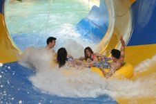 Rambut Gondrong, Genjie, Gundul, dan Gimbal Gratis Masuk SnowBay Waterpark TMII