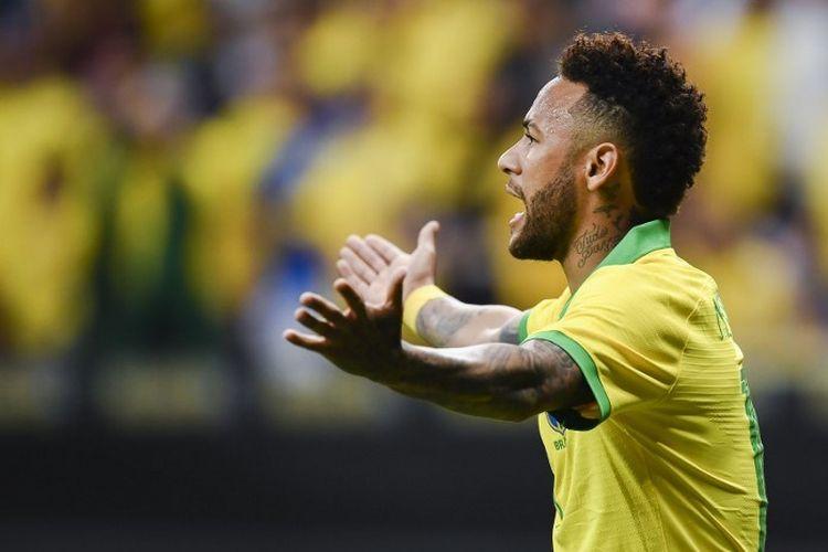 Ekspresi Neymar saat memperkuat Brasil pada laga persahabatan melawan Qatar di Mane Garrincha Stadium,  Brasilia, pada 5 Juni 2019.