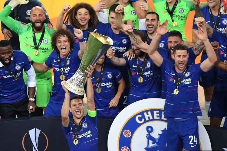 Para pemain Chelsea merayakan keberhasilan menjadi juara Liga Europa seusai menang 4-1 atas Arsenal pada laga final di Stadion Olimpiade Baku, 29 Mei 2019.