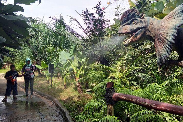 Ngerinya Jurassic Park Mini Di Jakarta Kompas Com