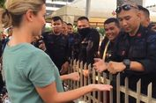 Cerita di Balik Video Viral Anggota Brimob Main Sulap Bareng Jurnalis Asing pada Aksi 22 Mei
