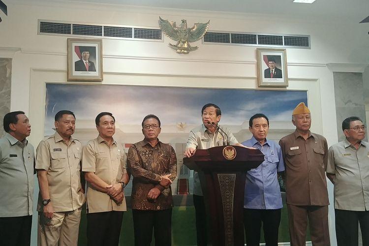 Purnawirawan TNI-POLRI usai bertemu Presiden Jokowi di Istana Merdeka, Selasa (25/7/2017).
