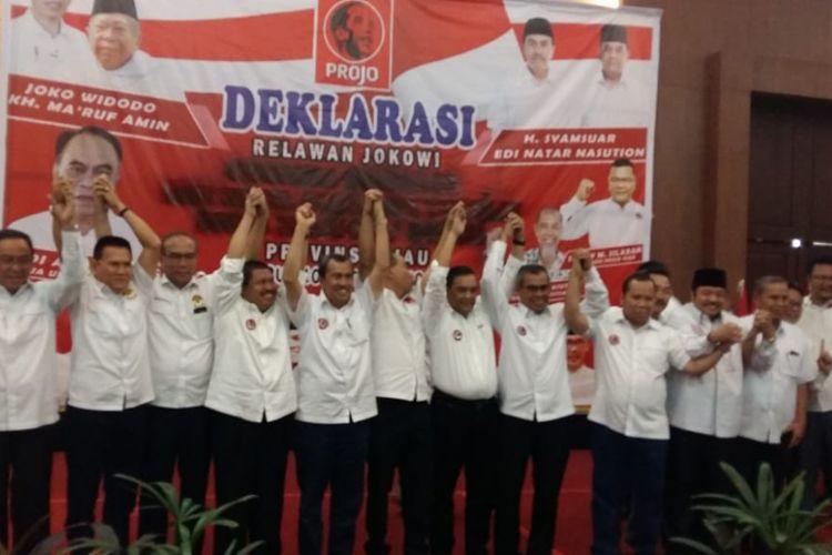 Kepala daerah di Riau saat melakukan deklarasi dukungannya kepada jokowi bersama Projo Riau.